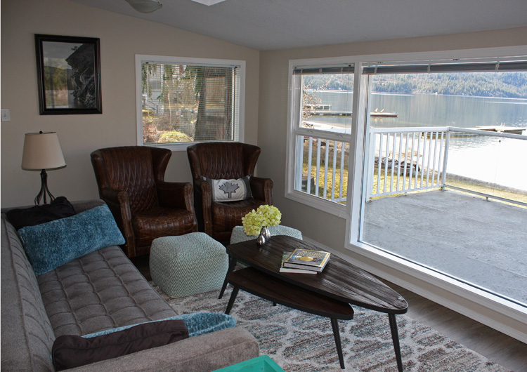 Christina Lake Waterfront Living Room